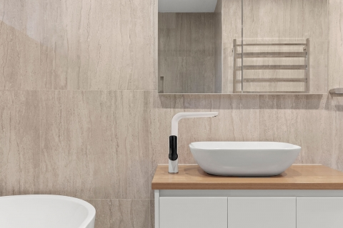 Sandringham- modern shaped tapware and basin whilst keeping it minimalistic gives the room a good sense of style.
