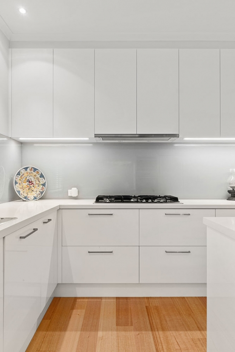 Aspendale Gardens- 2 Pac low gloss finish on cabinetry